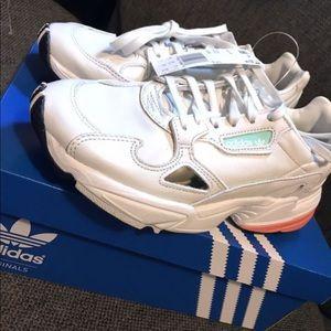 Adidas falcon (white)